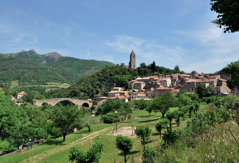 olargue village